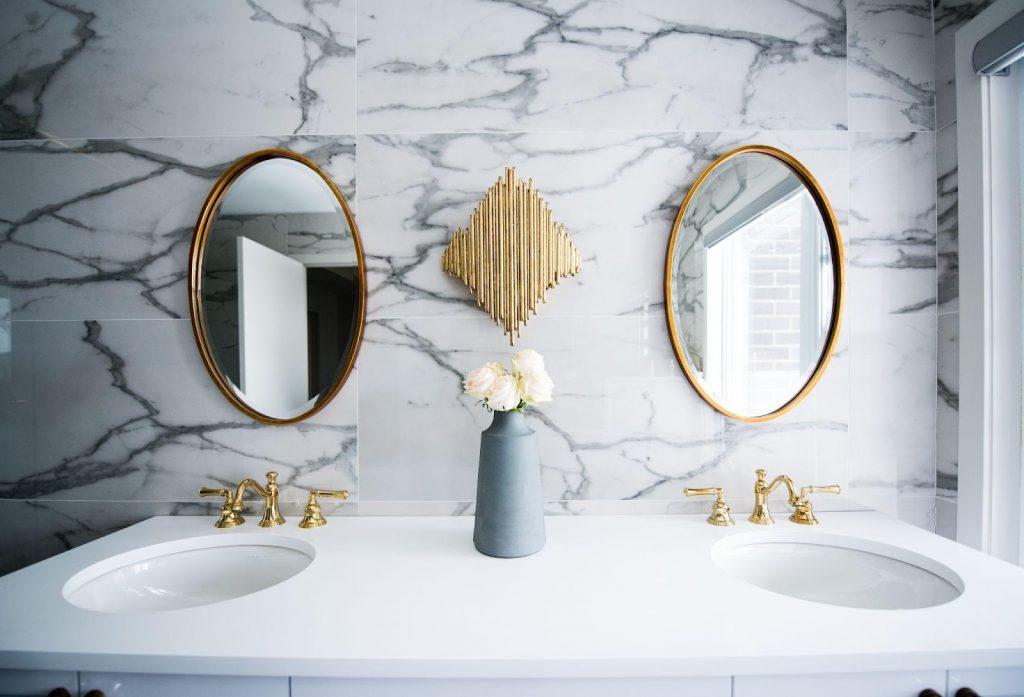 4-Natural-Stone-Bathroom-Design-Ideas